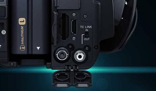 4K出力に対応したHDMI2.0端子、HD出力に対応した3G HD-SDI端子を装備