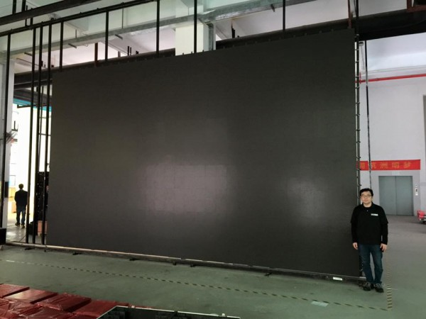 パンダスタジオ・レンタルの大型340インチのLEDレンタル事業