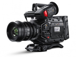 Blackmagic Design URSA Mini PRO 4.6K (EF)& Viewfinder & Shoulder Kit